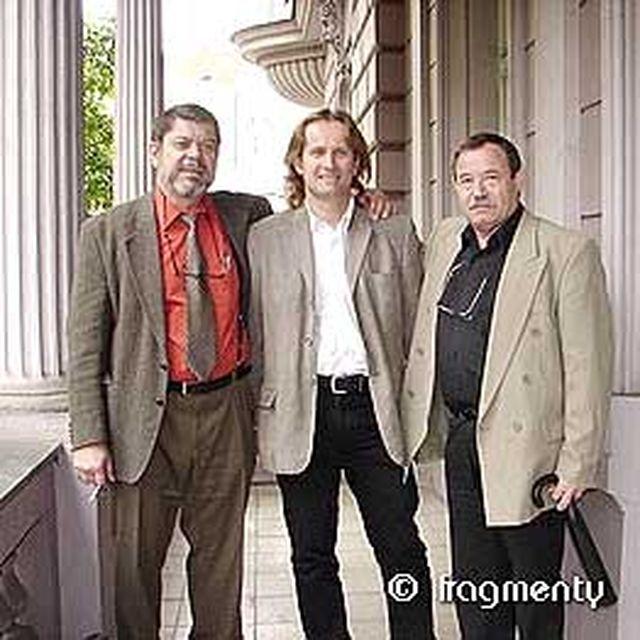 16-2006-s-Martinem-Stepankem-a-Jefimem-Fistejnem-krest-knihy-Plnou-ParouBack.jpg