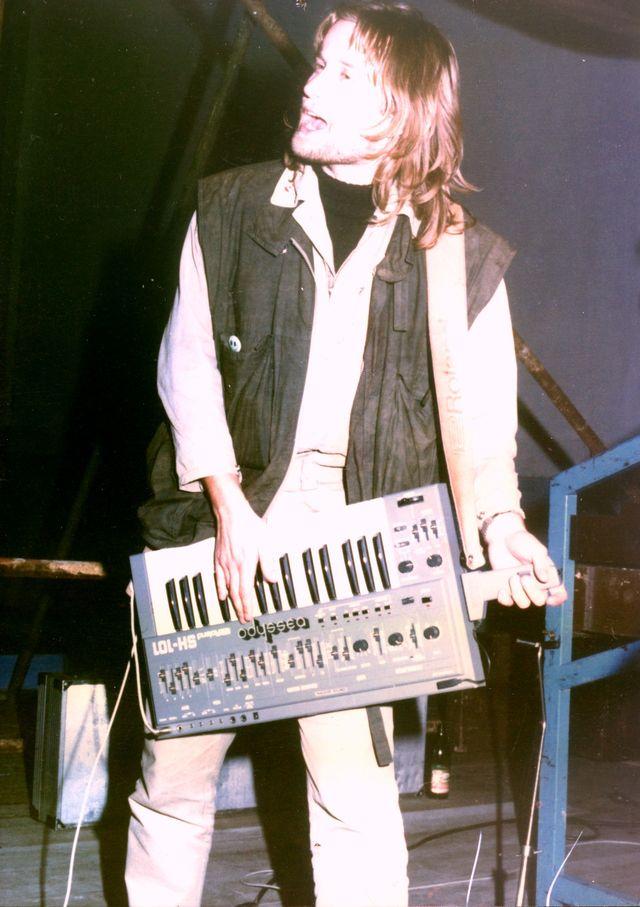 16-1986-Odyssea.jpg