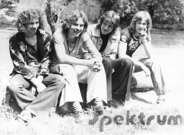 phoca_thumb_l_02-1975-Spektrum.jpg