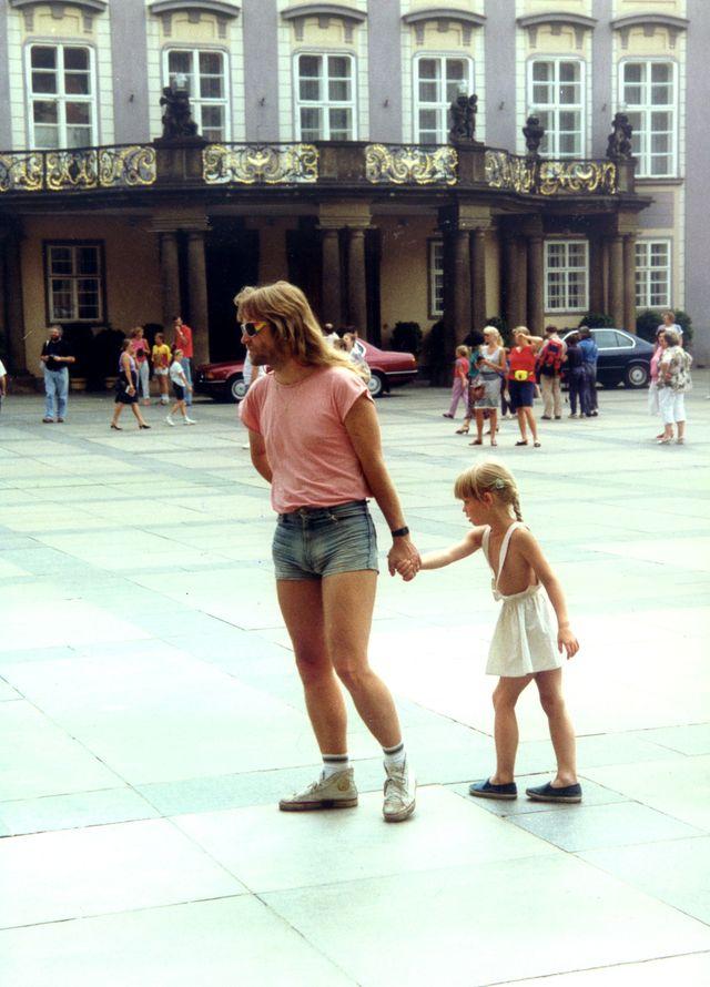 10-1990-Praha-s-Petruskou.jpg