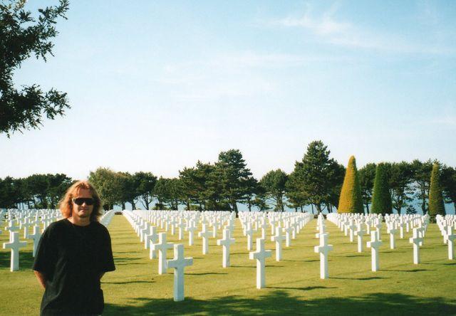 03-1999-Normandie-hrbitov-nad-plazi-Omaha.jpg