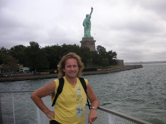 12-2005-New-York-socha-Svobody.JPG