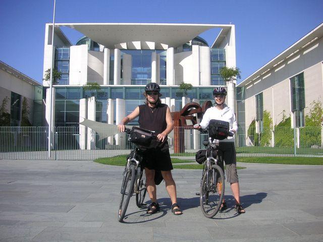 31-2009-Berlin-nove-spolkove-kanclerstvi.JPG